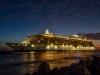 Kreutfahrtschiff bei Nacht in Curacao